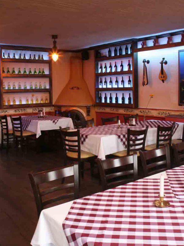 Asteras-der-beste-grieche-in-Brandenburg-taverna-lecker-gyros-platte-rotwein-Souvlaki-Tzatziki-weiss-wein-retsina-restaurant-ouzo-Dolmadakia-Kaffee-Mocca-cappucino-064